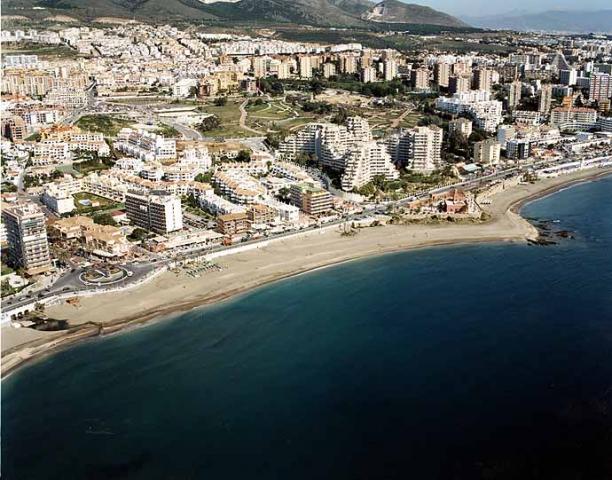 Playa bil bil benalm dena playas de torremolinos y - Fotos de benalmadena costa ...